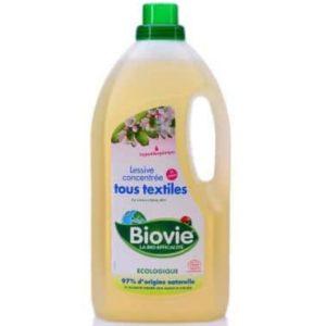 Ekologiczny hipoalergiczny skoncentrowany środek piorący Biovie 2 litry