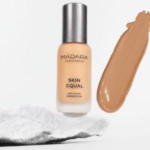 Podkład SAND 40 Skin Equal Soft Glow Madara 30 ml